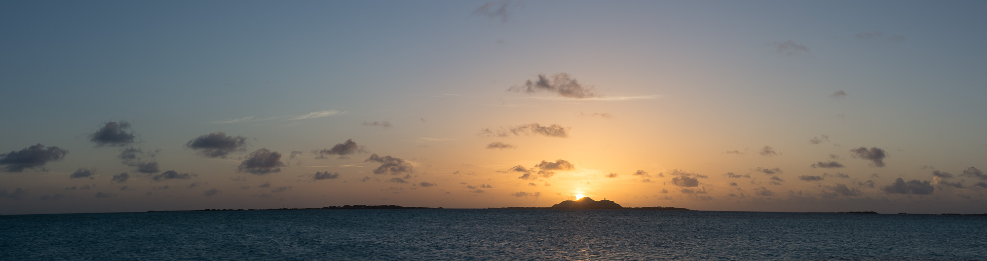 SUNSET LOS ROQUES
